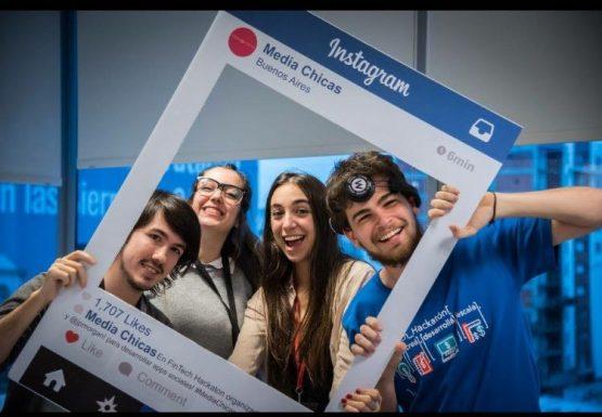 Luciano Mosquera, Melisa Rossi, Milagros Moreno Lafon y Kevin Kraus en la hackatón se realizó el 14 y 15 de julio. Foto: ITBA