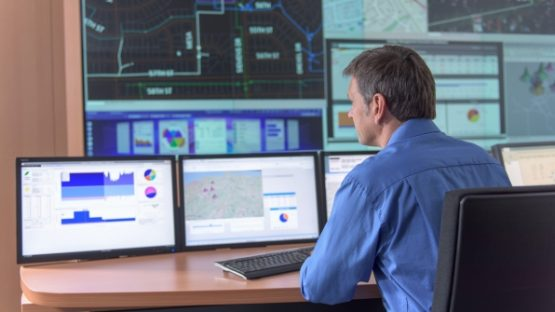 header-energyautomation-smartgrid-fb4-0284